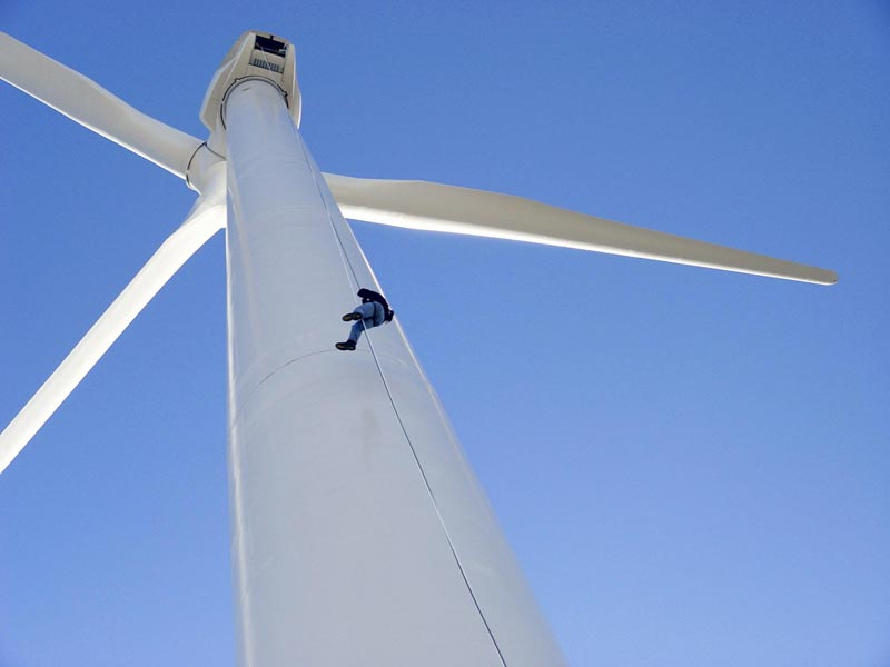 2.5-MW wind turbine. (Credit: National Renewable Energy Laboratory for the Department of Energy, used as permitted.)